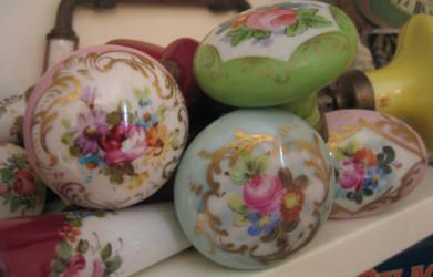 rose-porcelain-door-knobs